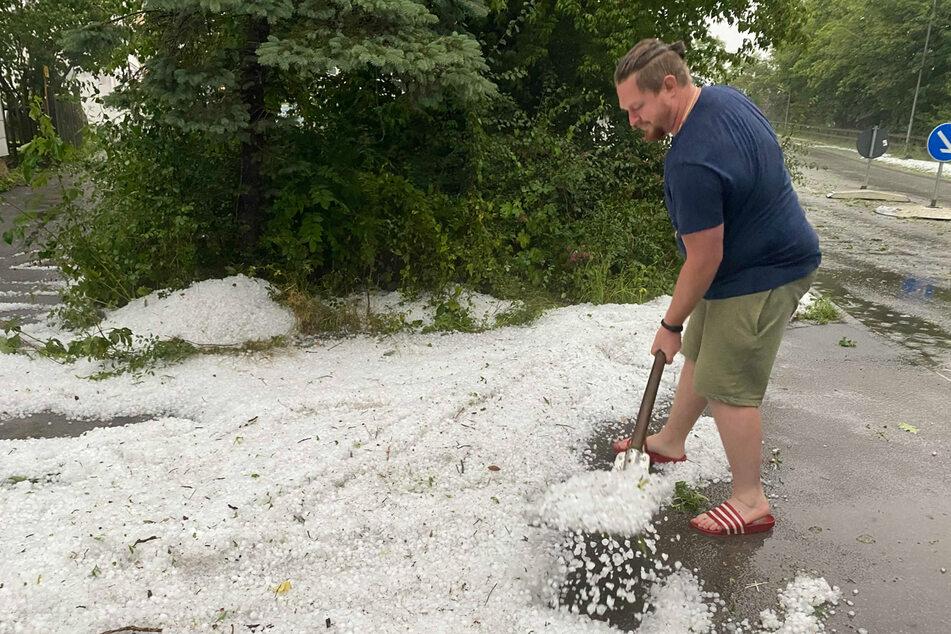 Im Allgäu fielen in der letzten Nacht Hagelkörner so groß wie Golfbälle vom Himmel.