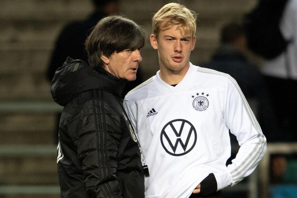 Joachim Löw (61, l.) hat Brandt (r.) nicht für die EM-Endrunde nominiert. Die Leistungen des Dortmunders haben dem Bundestrainer nicht genügt.