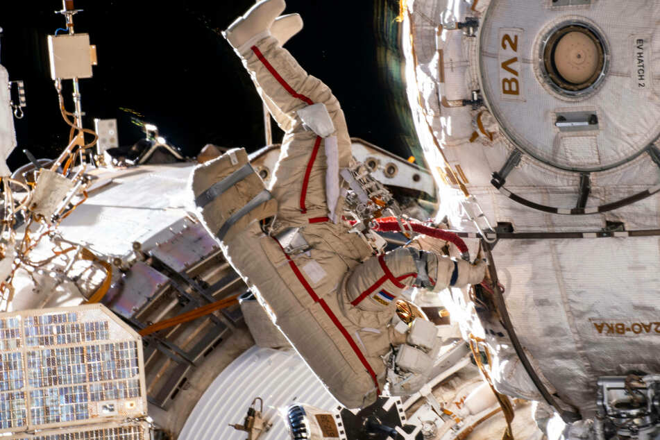 Russia calls for end to US sanctions in exchange for running the International Space Station