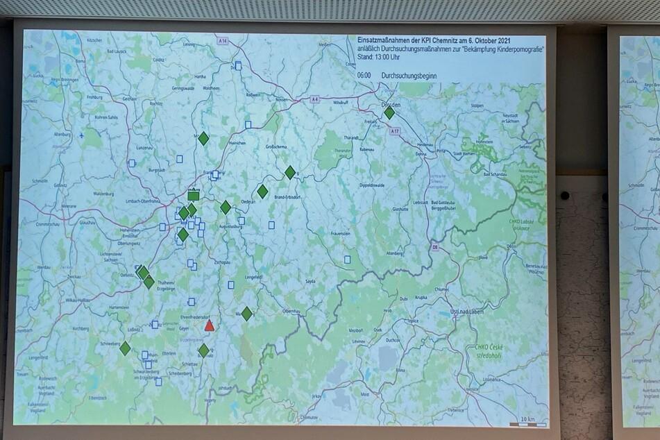 Bei einer Razzia gegen Kinderpornografie haben rund 60 Einsatzkräfte Objekte in Chemnitz, Mittelsachsen und im Erzgebirge durchsucht.