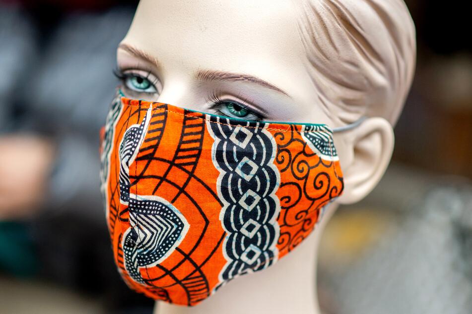 Von außen sieht man einer Maske natürlich nicht an, wie sie im Inneren riecht. (Symbolbild)