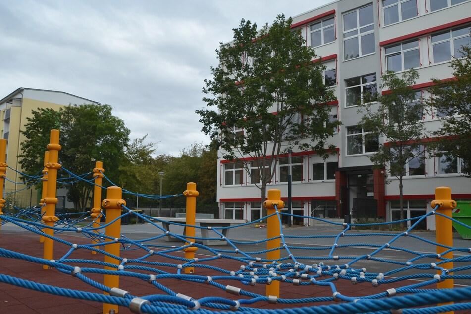 Spaß und sportliche Betätigung verheißt der neue Pausenhof.