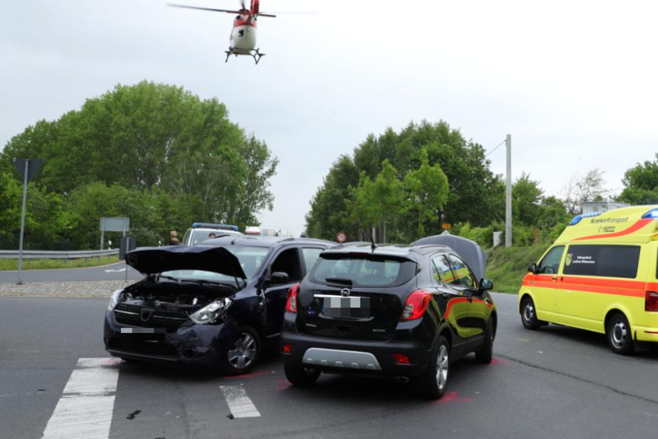 Unfall bei Roßwein: Opel kracht mit voller Wucht gegen Dacia