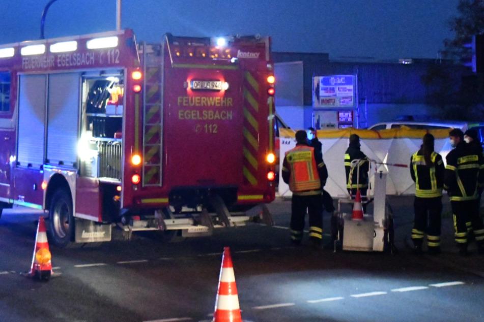 Tödlicher Unfall am Morgen: Transporter erfasst Fußgänger