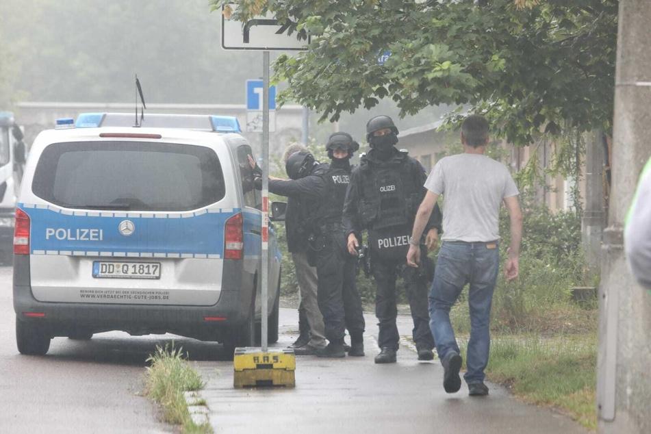 Seit Sonntagmittag sind SEK und Polizei in Möckern im Einsatz.