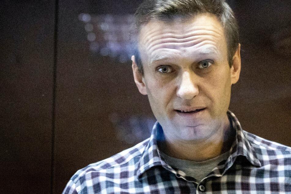 Bekannt wurde Alexej Nawalny (45) durch seine Anti-Korruptions-Ermittlungen gegen staatliche Unternehmen und hochrangige Regierungsbeamte.