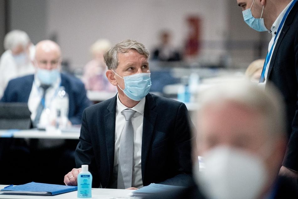 Björn Höcke (49) von der AfD nimmt in der Dresdener Messehalle am Bundesparteitag der AfD teil.