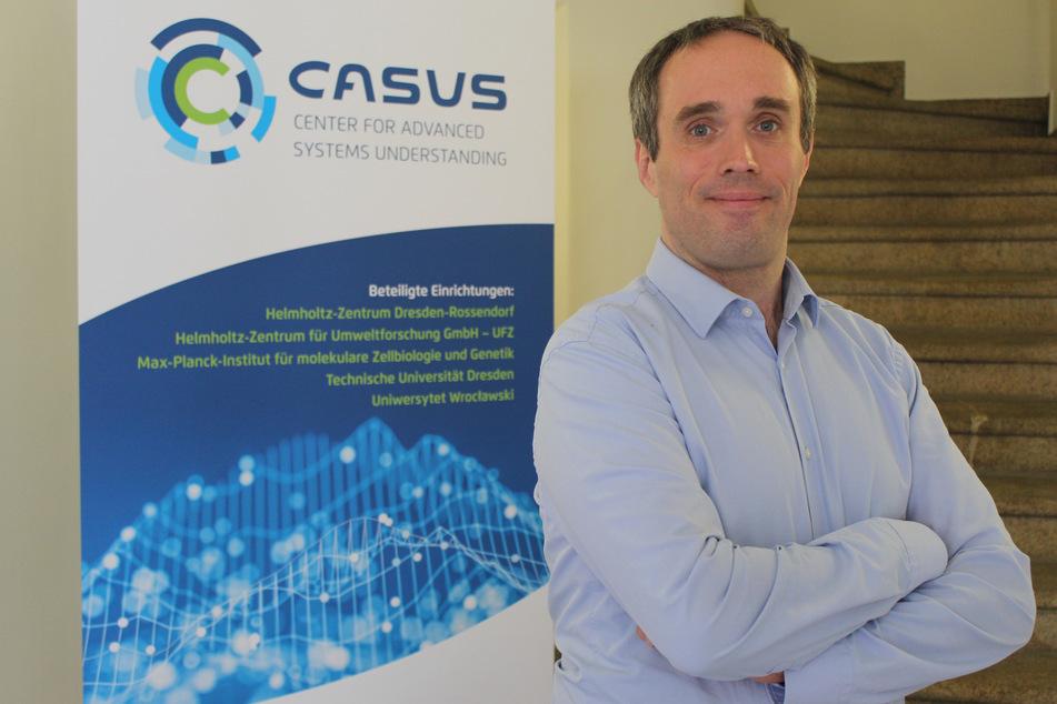 """Casus-Institutsleiter Dr. Michael Bussmann (45) im Institutsgebäude in Görlitz. Hier wurde die Plattform """"Where2Test"""" entwickelt."""
