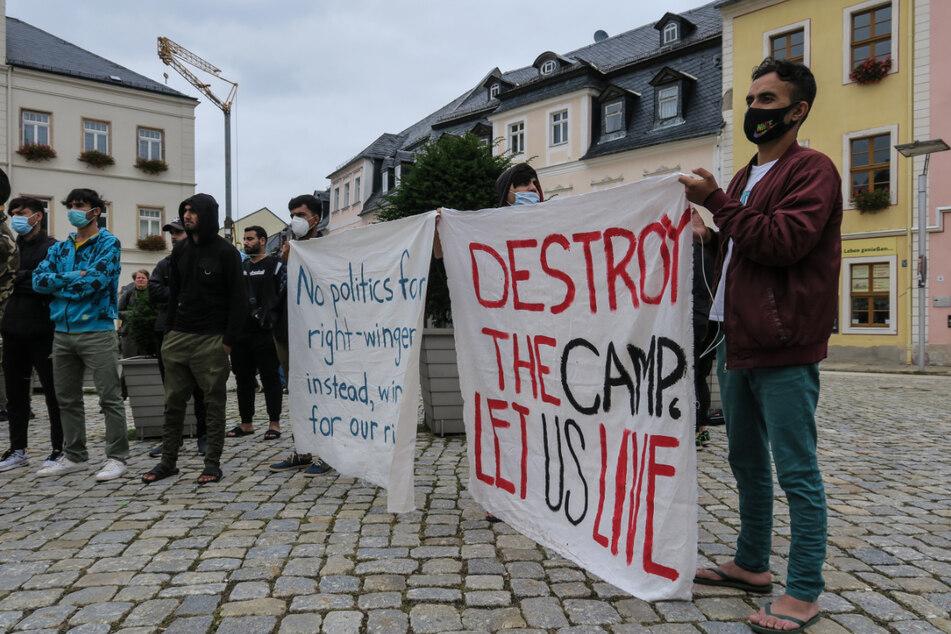Die Bewohner des Asylheims machten mit dieser Demonstration auf ihre Situation in der Erstaufnahmeeinrichtung aufmerksam.