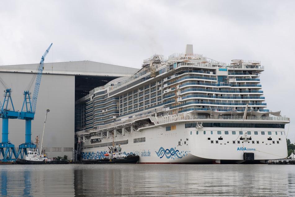 """Die """"Aida Cosma"""" wird nach Angaben der Werft mit umweltfreundlichen Flüssigerdgas (LNG) betrieben."""