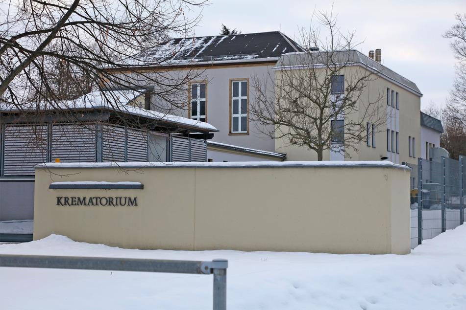 Das Krematorium in Zwickau kommt angesichts der vielen Toten kaum noch hinterher.
