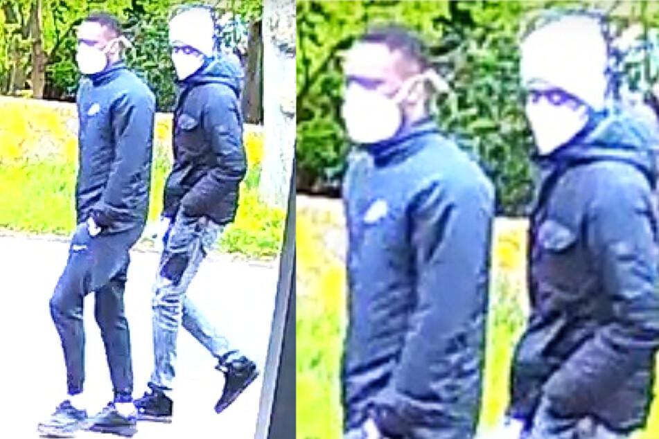 Nach diesen beiden Männern fahndet die Bremer Polizei. Sie sollen eine 88-jährige Frau Anfang Mai in ihrem Haus überfallen haben.