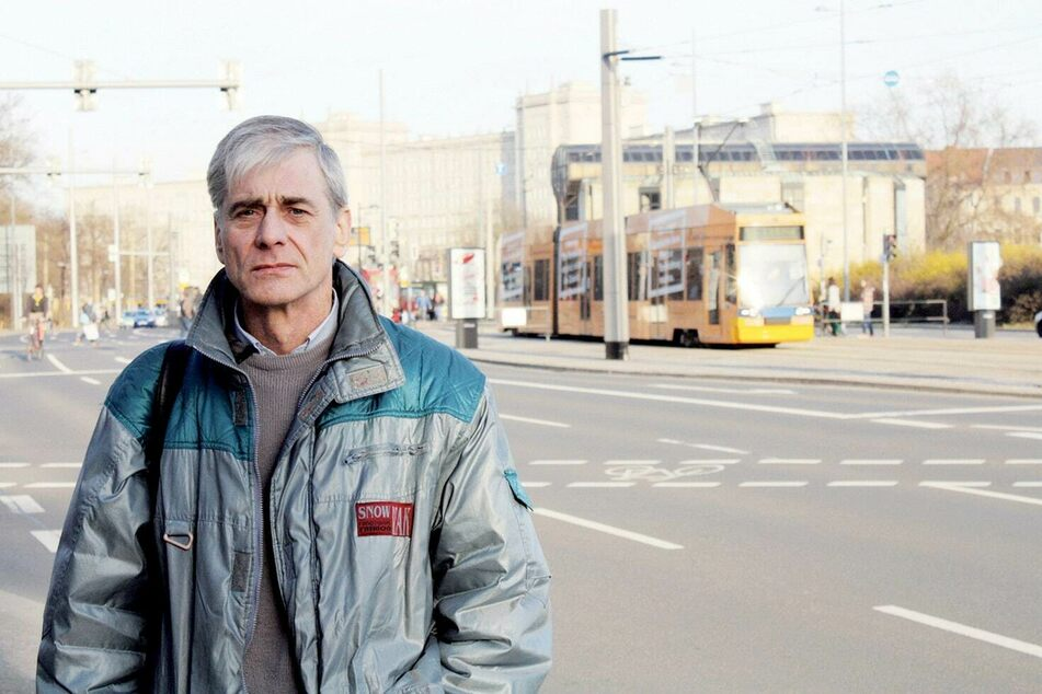 Schon in der DDR war Eddy Stapel schwer krank, was die Stasi für sich auszunutzen versuchte. Im Jahr 2017 starb er im Alter von 64 Jahren.