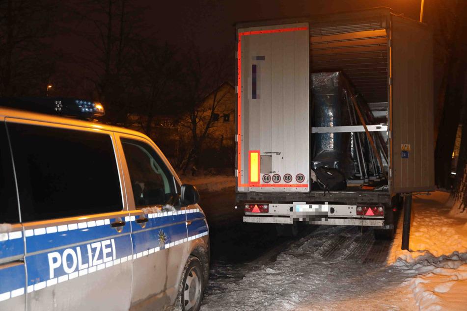 Im Laderaum dieses Lastwagens hatten sich die sechs Männer versteckt.