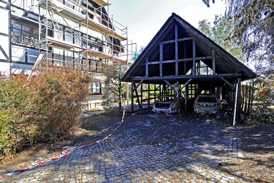 In Neukirchen muss die Doppelgarage abgerissen, das Schieferdach des Wohnhauses neu gedeckt werden.
