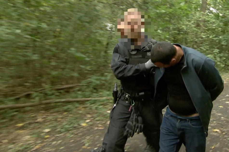 Der 42-jährige Tatverdächtige konnte in einem Waldstück in der Nähe der betroffenen Einrichtungen gestellt und festgenommen werden.