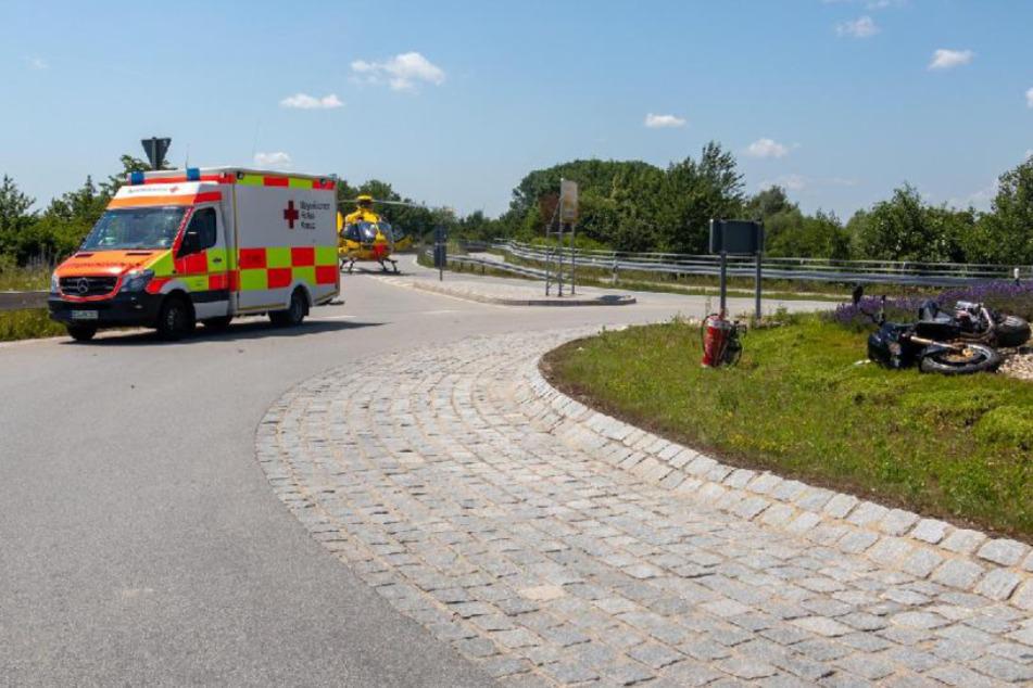 Tragischer Unfall in Niederbayern: Biker kracht gegen Schutzplanke und stirbt