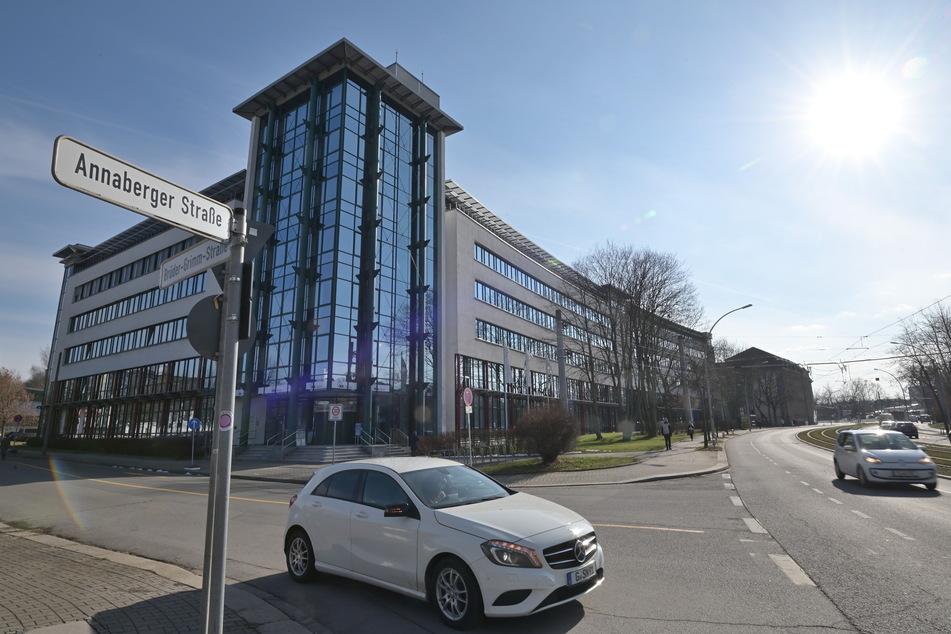 Chemnitz: Corona-Testwillige legen Forschungslabor lahm