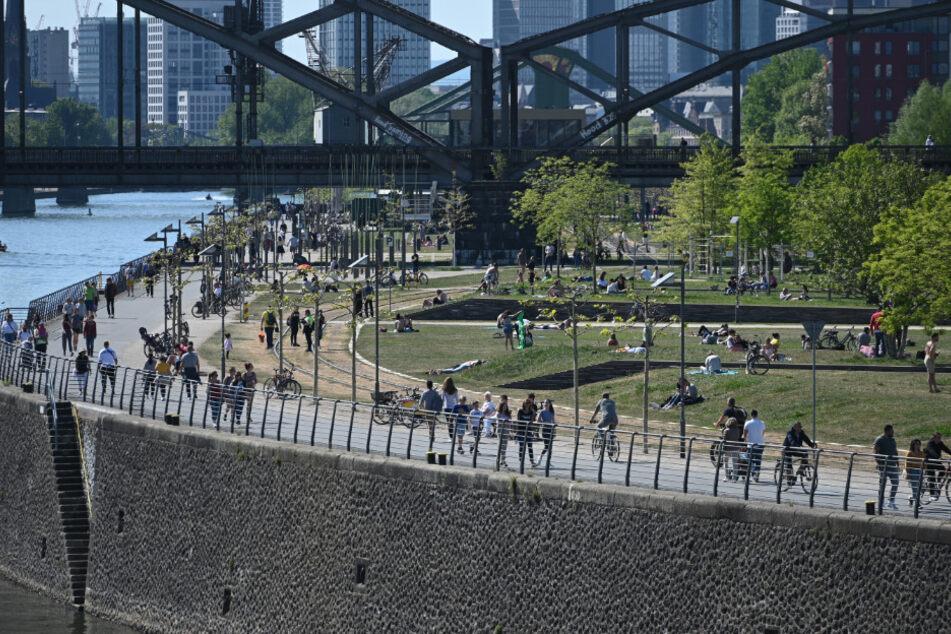 Frankfurt: Das sind die neuen Corona-Lockerungen für Hessen im Überblick