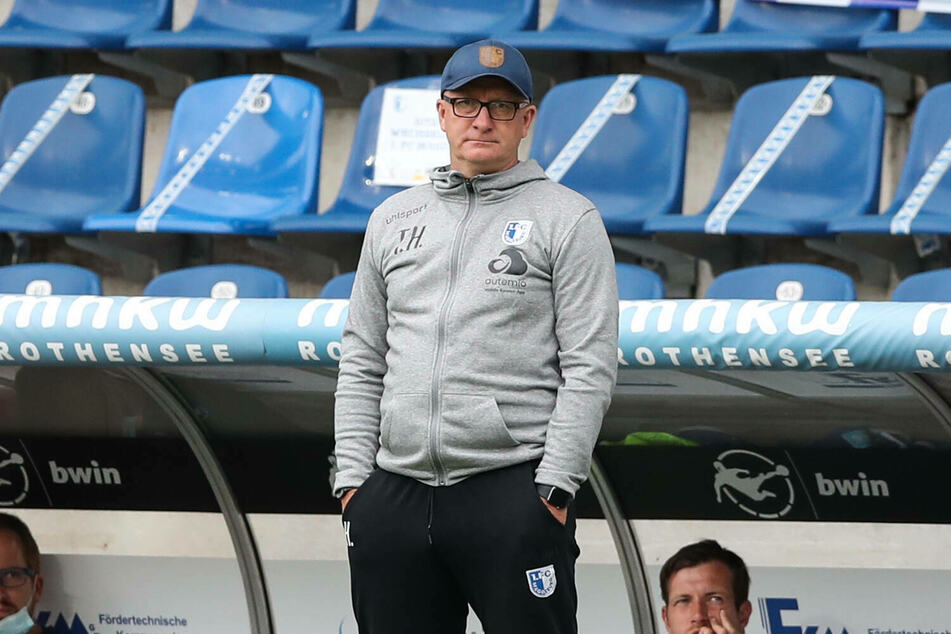 Trainer Thomas Hoßmang (53) bleibt beim 1. FC Magdeburg.