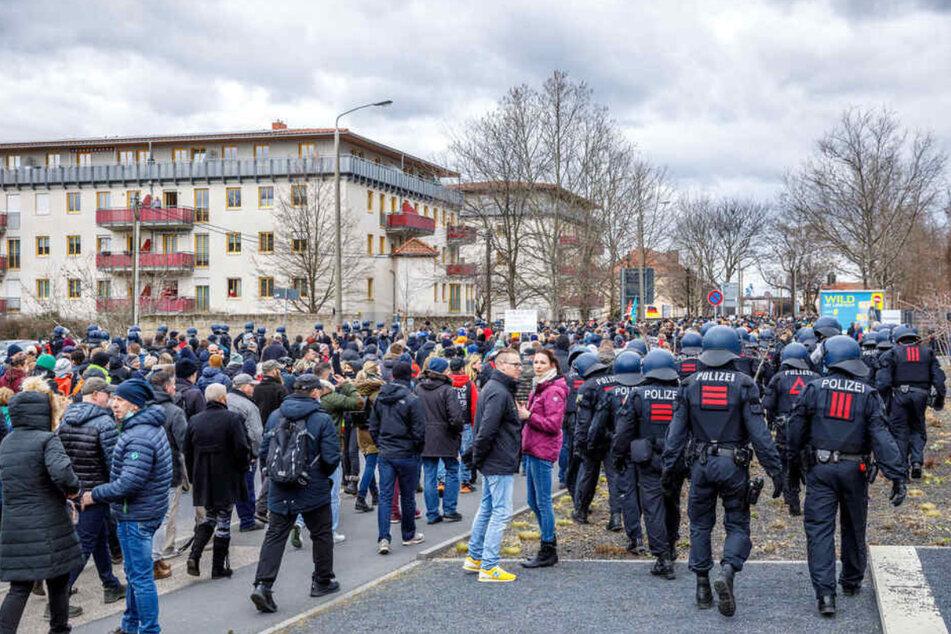 In der Magdeburger Straße kesselte die Polizei am vergangenen Samstag Hunderte Pandemieleugner ein.