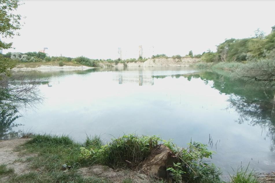Der Bruchsee in Halle. Hier sollen zwei minderjährige Angler ausgeraubt worden sein.