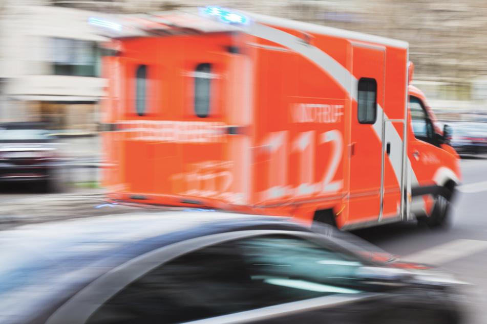 Bei dem Unfall in Mönchengladbach gab es zwei Schwerverletzte. (Symbolbild)