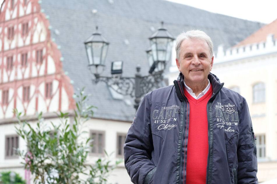 Der Zwickauer Jürgen Croy (74) stand bei 94 Länderspielen im Tor und gewann 1976 Olympia-Gold. Nun hat er die Abschaffung der Abseitsregel angeregt. (Archivbild)