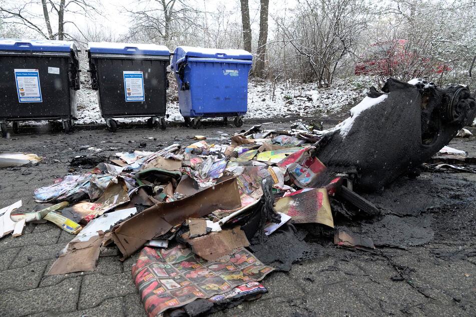 Chemnitz: Brandserie geht weiter: Wieder Mülltonnen in Chemnitz in Flammen