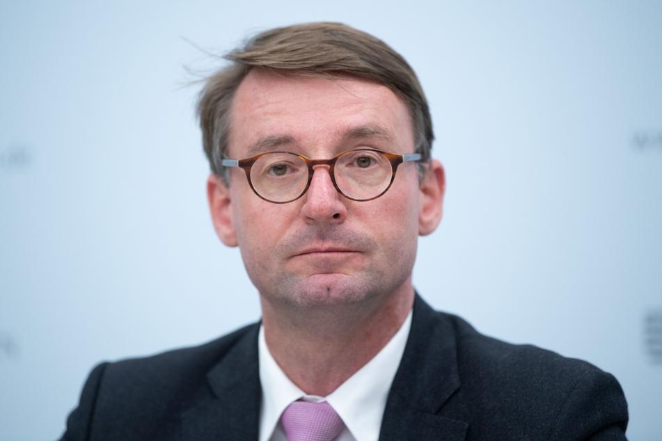 Roland Wöller (CDU), Innenminister von Sachsen, verurteilte die Ausschreitungen in Leipzi scharf.