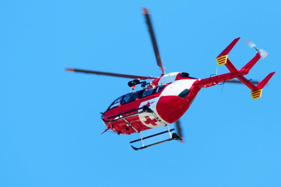 Das Mädchen wurde mit einem Hubschrauber ins Krankenhaus gebracht. (Symbolbild)