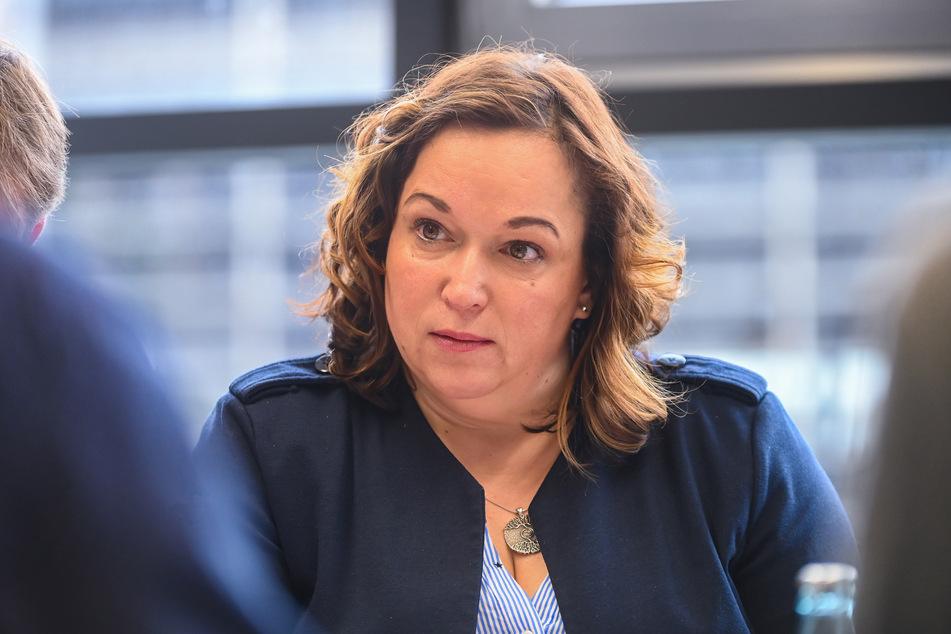 In der MDR-Live-Sendung dabei: Simone Lang (49, SPD-Landtagsabgeordnete aus dem Erzgebirge). Sie wünscht sich ein Einsamkeits-Ministerium.