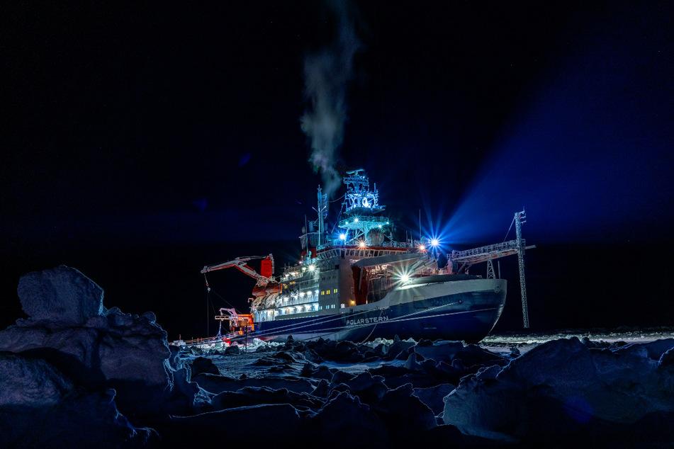 """Zehn Monate driftete die """"Polarstern"""" durch das Nordpolarmeer."""