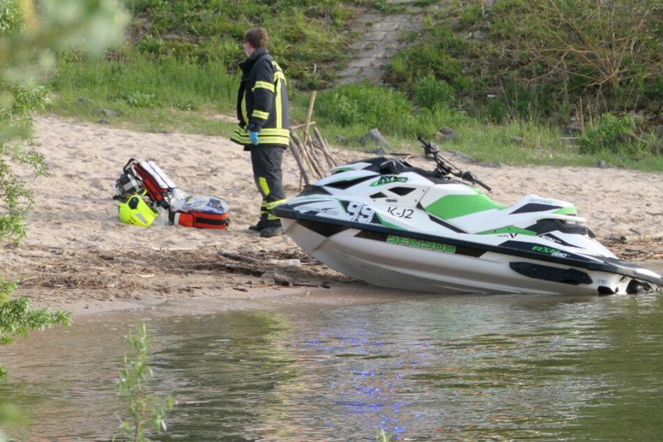 Jetski-Fahrer geht auf dem Rhein über Bord und wird schwer verletzt