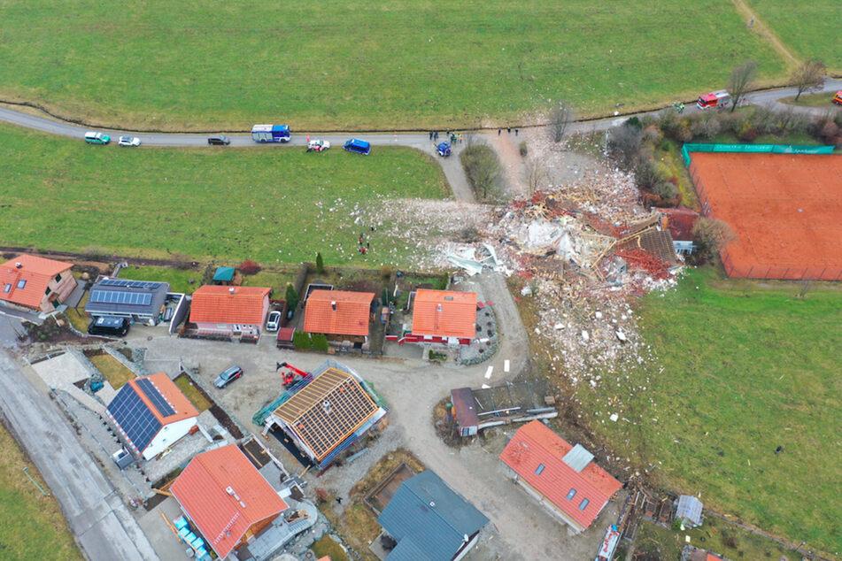 Die Aufnahme aus der Luft zeigt das ganze Ausmaß der Zerstörung in Oberbeuren.