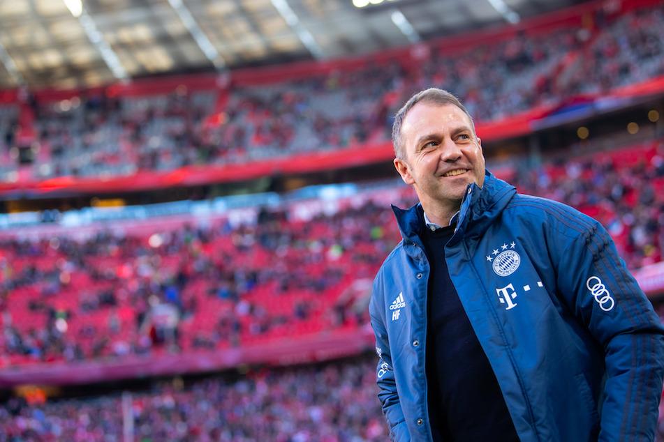 Bayern Münchens Trainer Hansi Flick (55) stützt sich bei der Trainer-Arbeit auch auf andere Experten.