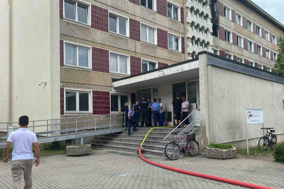 In der dritten Etage des Asylheims kam es zu einem Zimmerbrand.