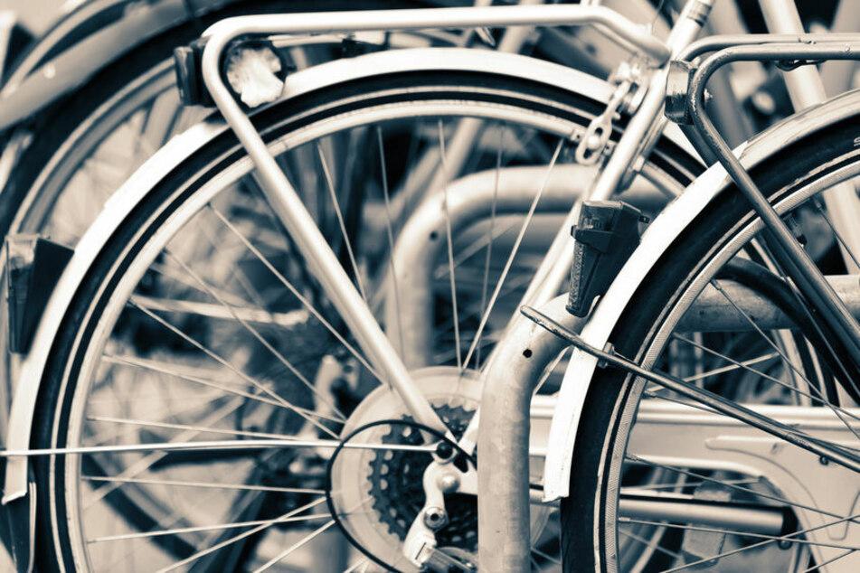 Der betrunkene Radfahrer muss nun mit Konsequenzen handeln. (Symbolbild)