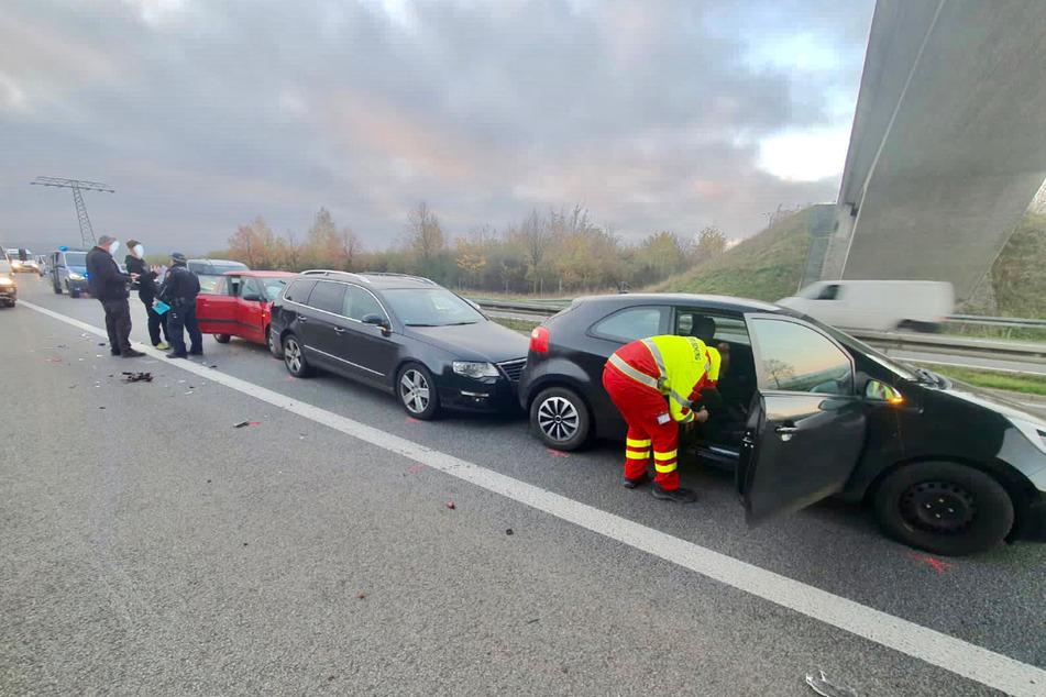 Die rechte Fahrbahn auf der B172a war Richtung Dohna am Dienstagmorgen nach einem Verkehrsunfall blockiert.
