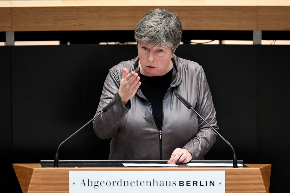 Berlins Senatorin für Stadtentwicklung und Wohnen, Katrin Lompscher tritt zurück.