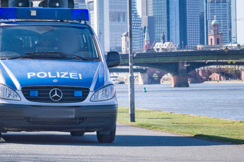 Nach dem vermeintlichen Angriff auf eine Achtjährige in Offenbach, suchte die Polizei intensiv nach dem Täter. (Archivbild)