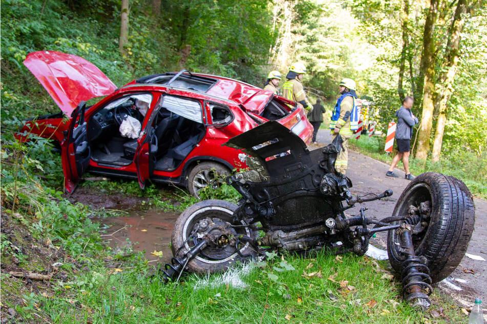 Motorblock rausgerissen: Vierköpfige Familie verunglückt mit ihrem BMW