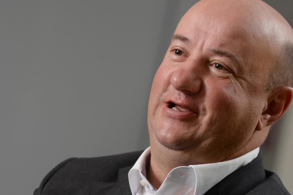 Wegen Haltung zur Autoprämie: Daimler-Betriebsratschef kritisiert die SPD