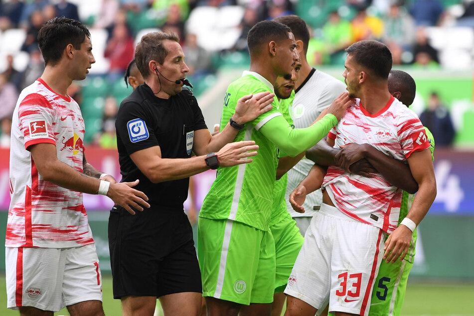 Das Spiel von RB Leipzig und dem VfL Wolfsburg war geprägt von kleinen Fouls und vielen Nickligkeiten, die jeglichen Spielfluss meist im Ansatz störten.