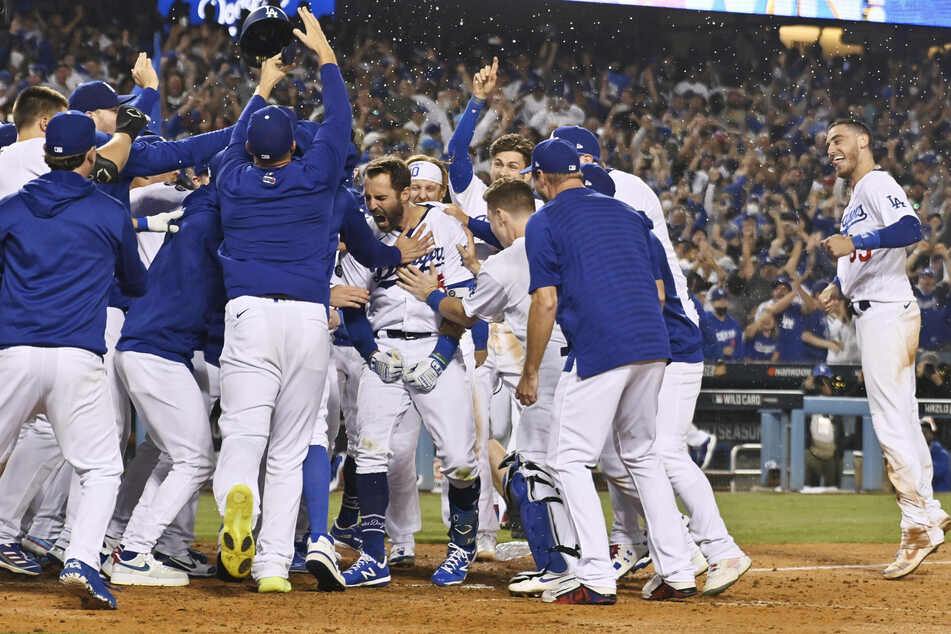 MLB: The Dodgers walk-off to the divisional round after late-game magic against the Cardinals