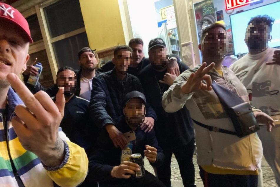 187 Strassenbande: Bonez MC zeigt Corona-Regeln den Mittelfinger