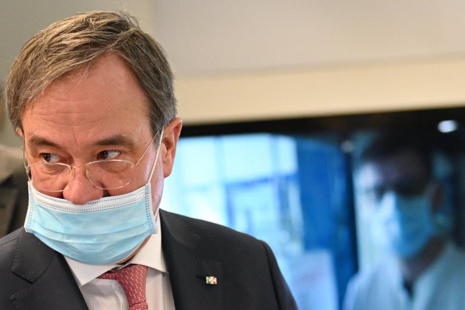 Armin Laschet (CDU) mit einer Mundschutzmaske im März 2020.