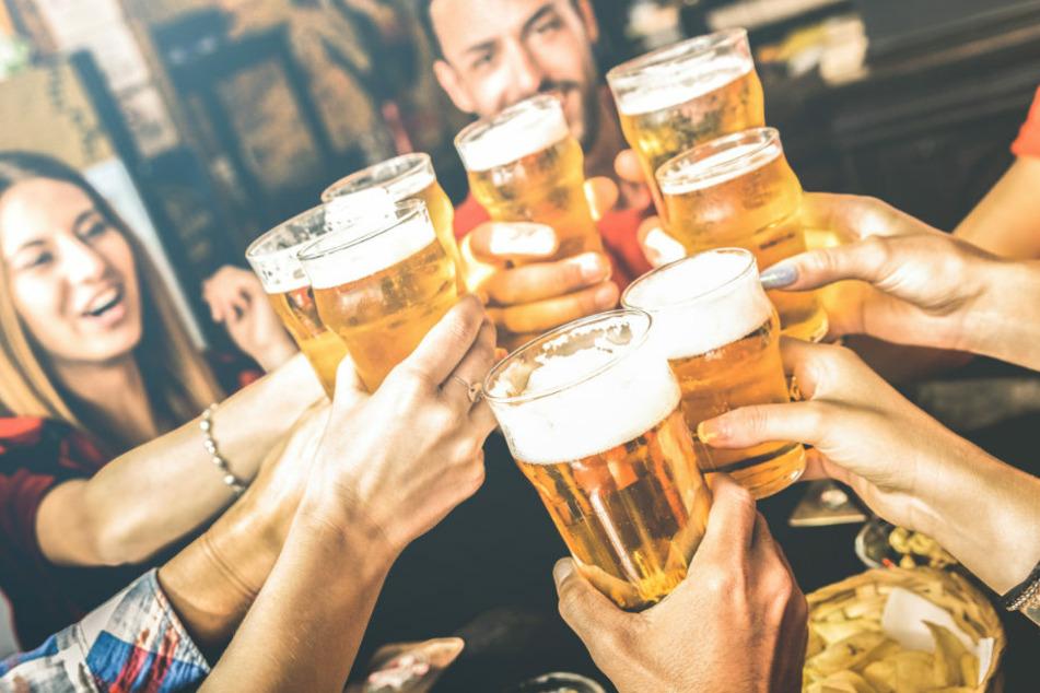 Droht den Berliner Bars und Kneipen eine Schließung bei Verstoß gegen die Hygieneregeln? (Symbolfoto)