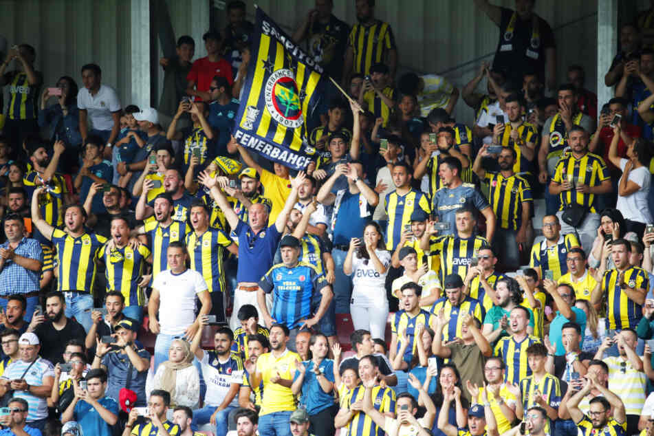 Jubeln konnten die Fans von Fenerbahce Istanbul an diesem Wochenende nicht. Ihr Team verlor mit 0:1. (Archivbild).
