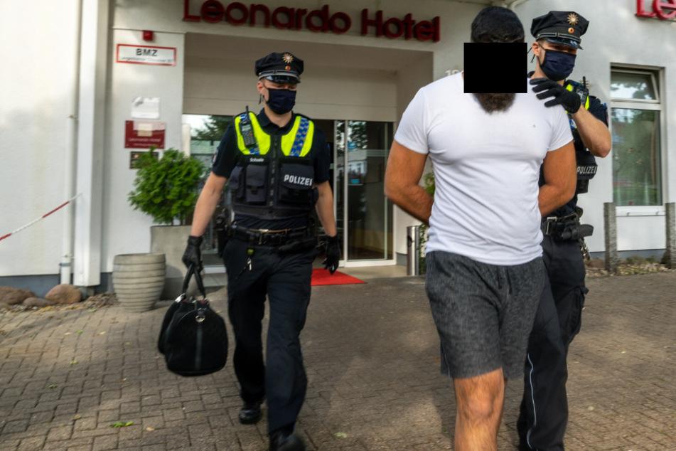 SEK stürmt Hotelzimmer und nimmt zwei Männer fest